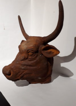Heavy cast bull skull brilliant rusted patina